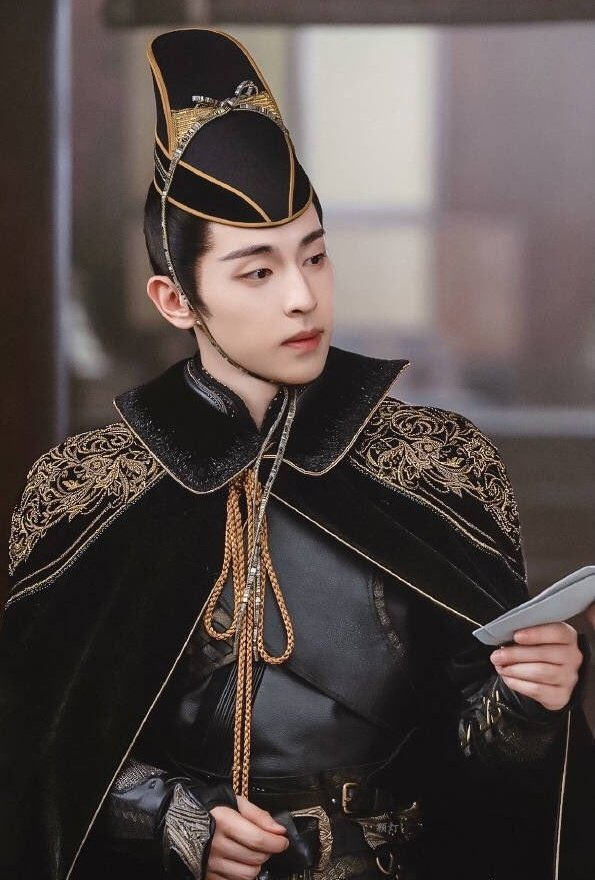 เติ้งหลุน (Deng Lun)